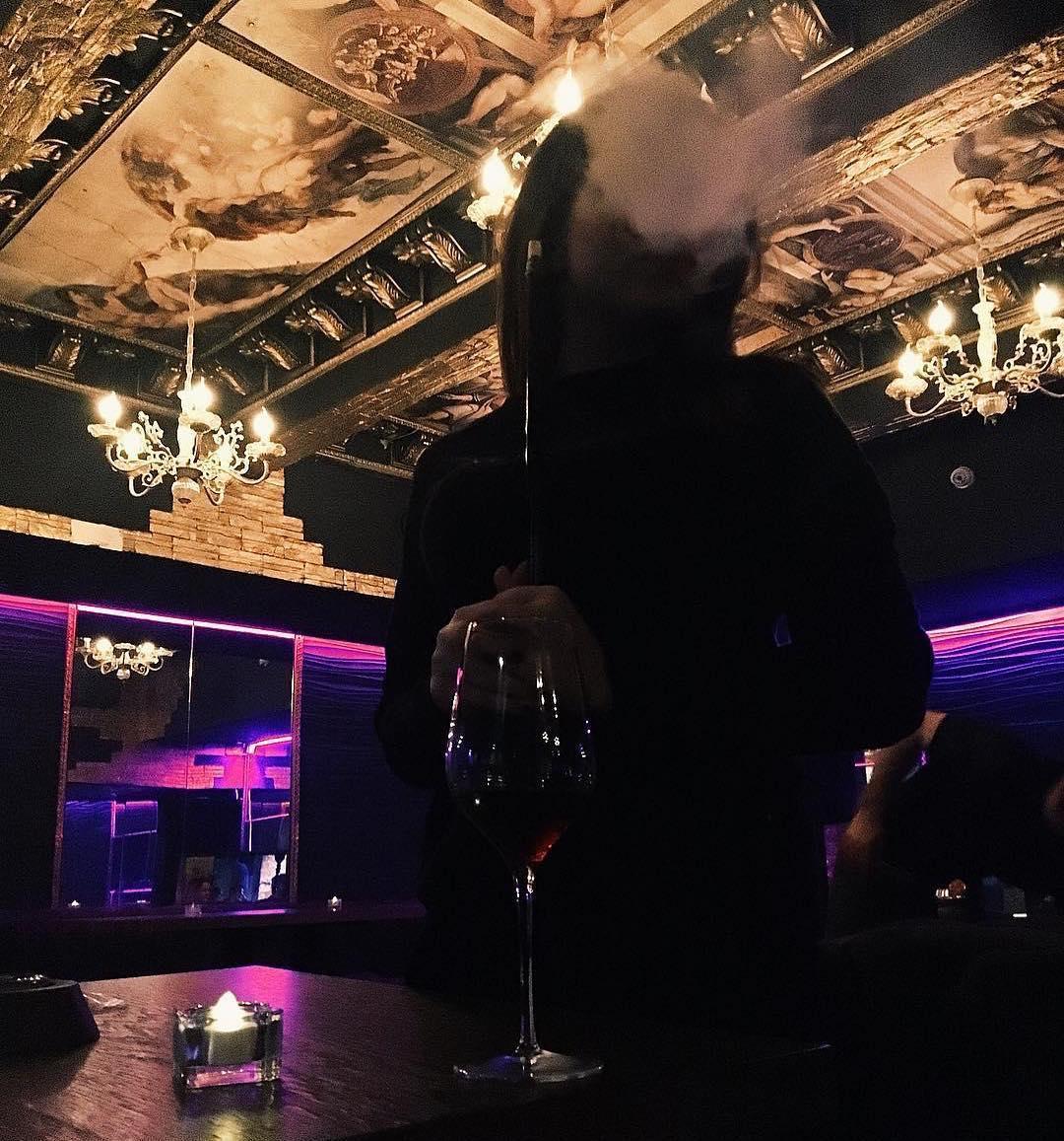 Blow клуб москва на арбате ночные клубы метро пражское